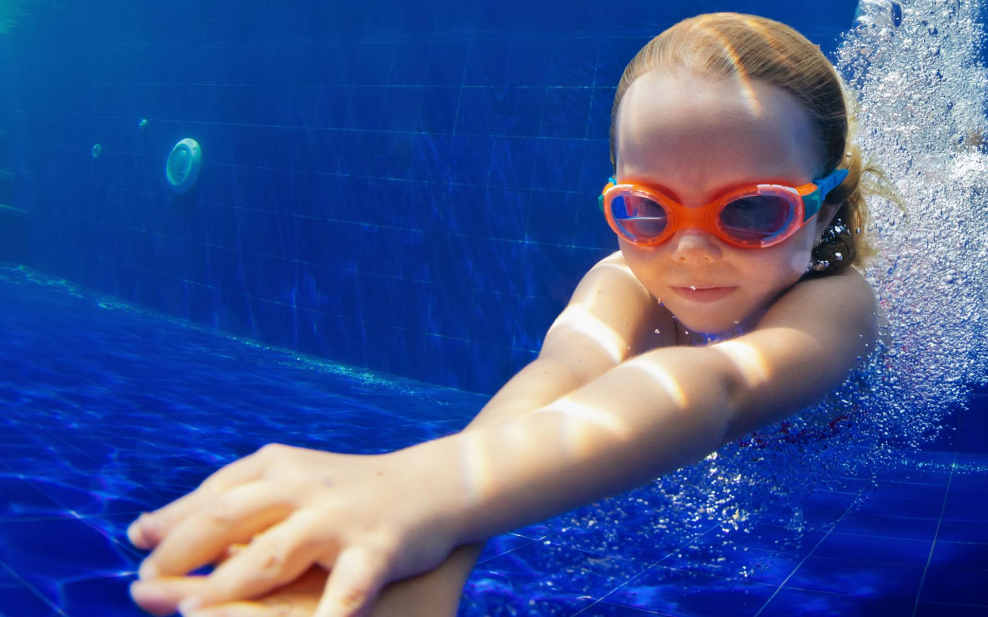 Schwimmschule die kleinen Wasserflöhe